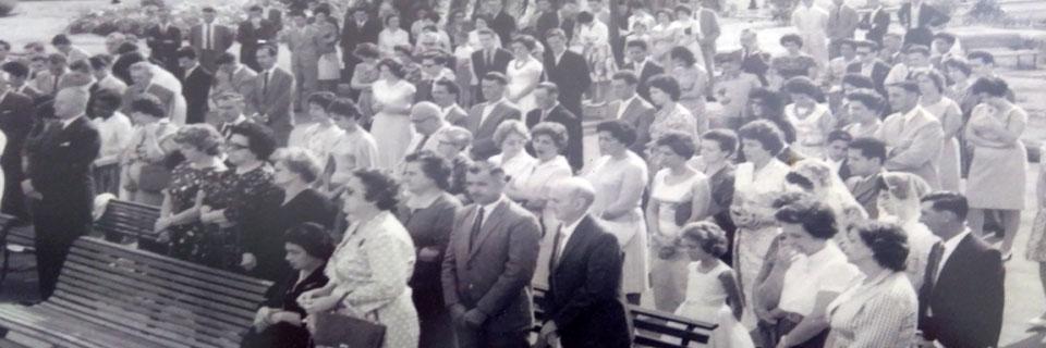 Colocação de Grau do Departamento de Cursos Médios do Instituto de Zootecnia e Indústrias Pecuárias (IZIP), em frente ao Prédio Central, década de 60